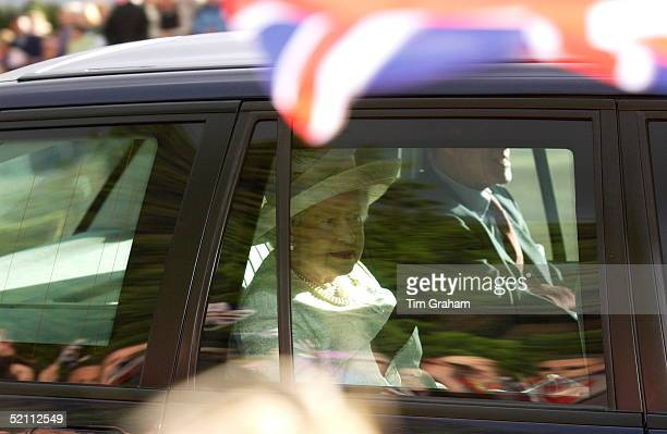 Queen Elizabeth II And Prince Philip Arriving At The Stormont Parliament Building In A Specially Manufactured Bulletproof And Bombproof Range Rover4...