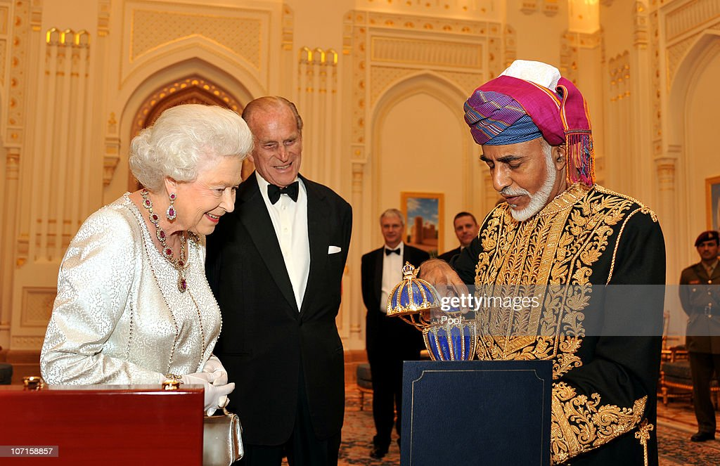 Queen Elizabeth II And Prince Philip Visit Visit Oman - Day 1 : News Photo