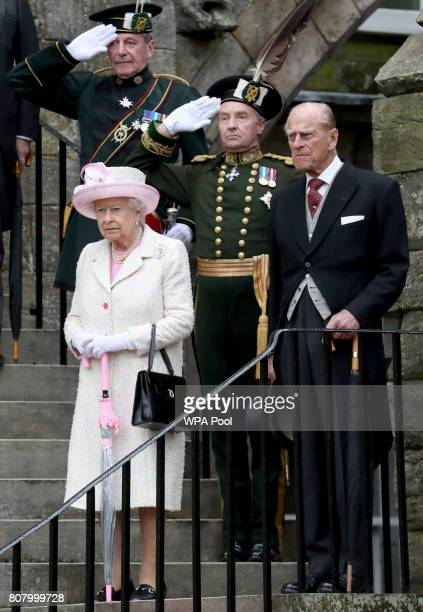 Queen Elizabeth II and Prince Philip Duke of Edinburgh host the annual garden party at the Palace of Holyroodhouse on July 4 2017 in Edinburgh...