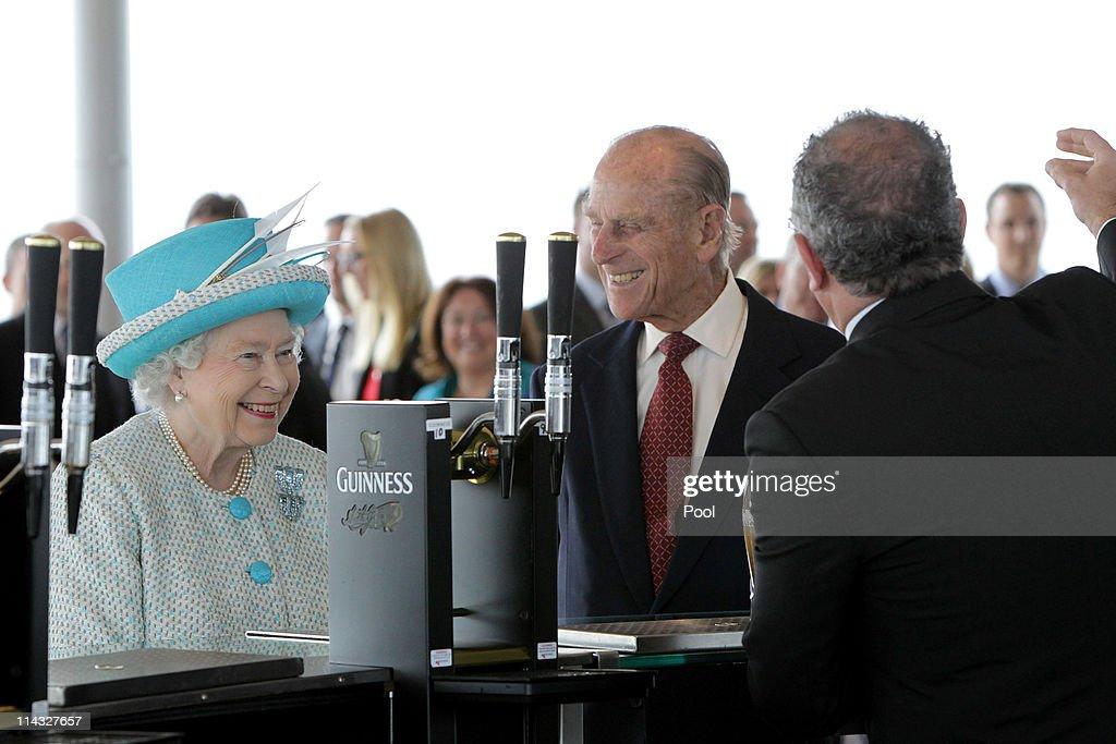 Queen Elizabeth II's Historic Visit To Ireland - Day Two : Nyhetsfoto