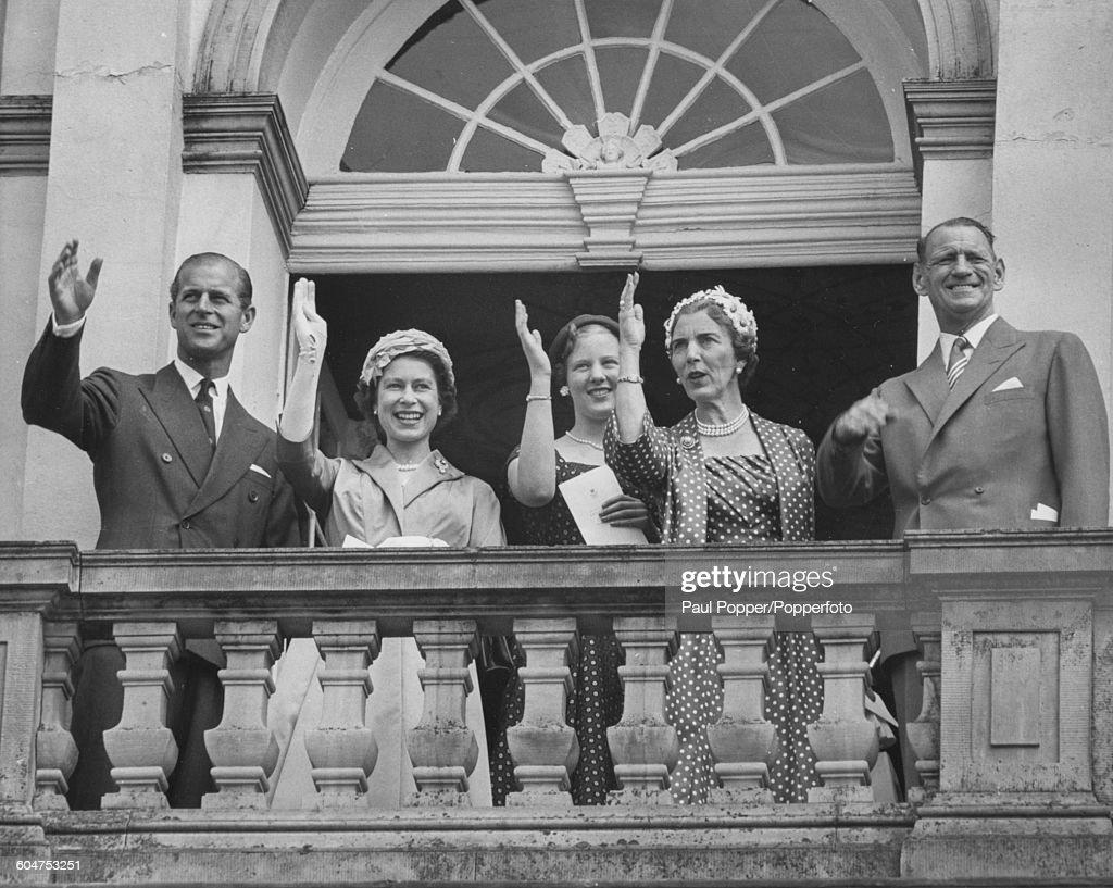 Queen Elizabeth II With Danish Royal Family : News Photo