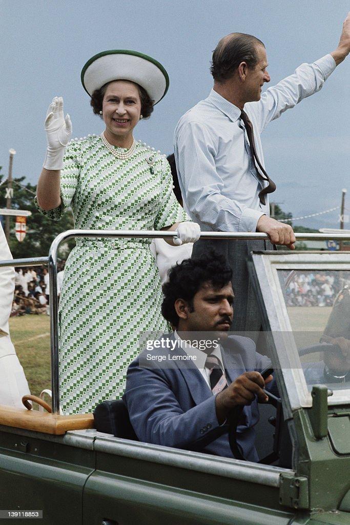Queen In Fiji : News Photo