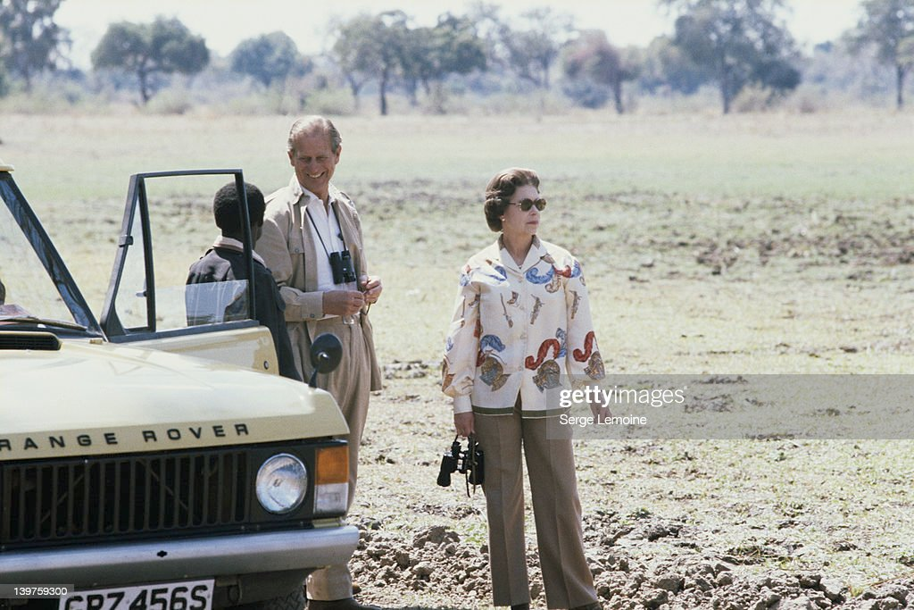 Queen In Zambia : News Photo
