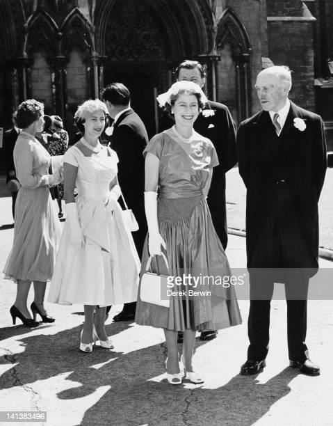 Queen Elizabeth II and Princess Margaret leaving St Margaret's church Westminster after the wedding of Kathryn Stanley and Sir John Dugdale London...