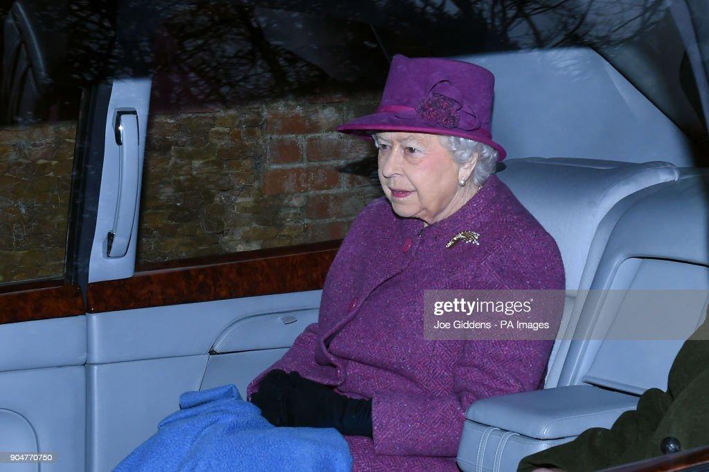 Royals attend church : News Photo