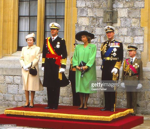Queen Elizabeth II and the Duke of Edinburgh receive the Spanish Kings Juan Carlos and Sofia at Windsor Palace, 22nd April 1986, London, England.