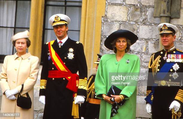 Queen Elizabeth II and the Duke of Edinburgh receive the Spanish Kings Juan Carlos and Sofia at Windsor Palace 22nd April 1986 London England