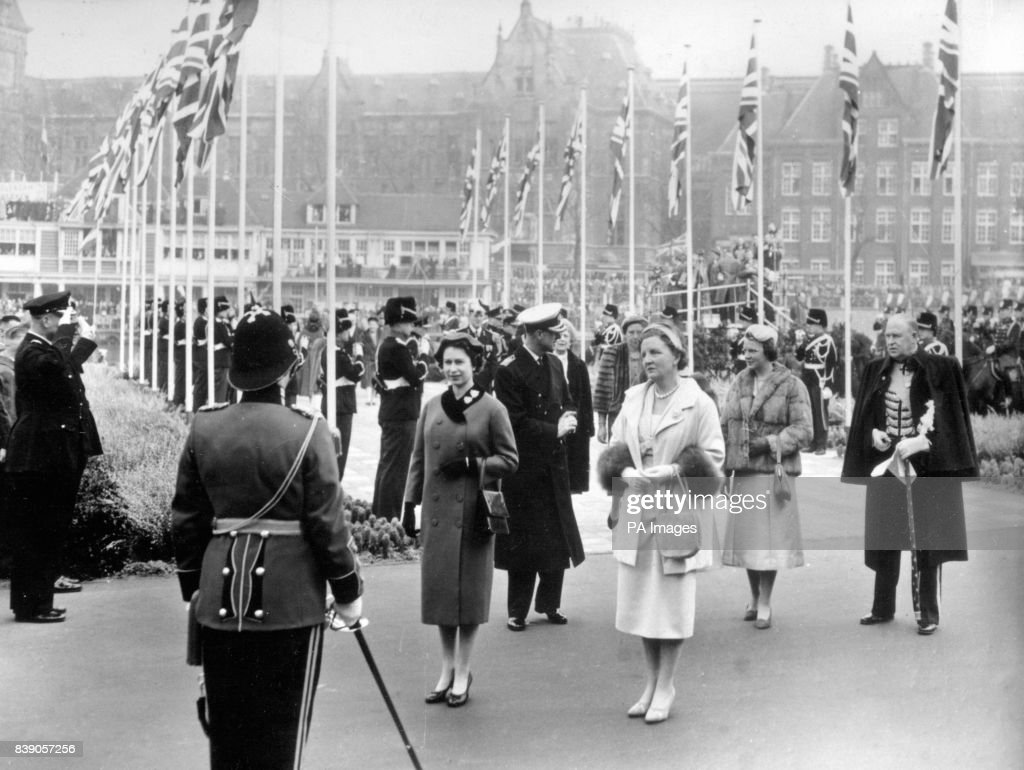 Royalty - Queen Elizabeth II State Visit to the Netherlands - Amsterdam : News Photo