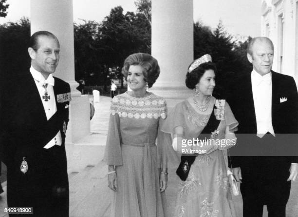 Queen Elizabeth II and the Duke of Edinburgh with American President Gerald Ford and his wife Betty Ford on the North Portico of the White House in...