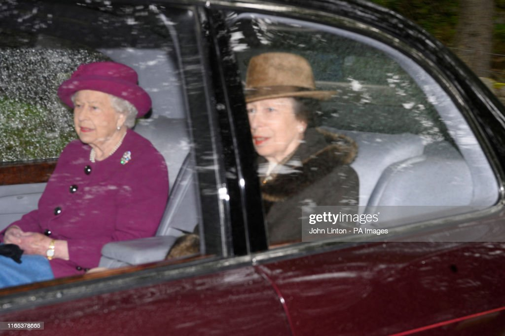 Queen Elizabeth II attends church : News Photo