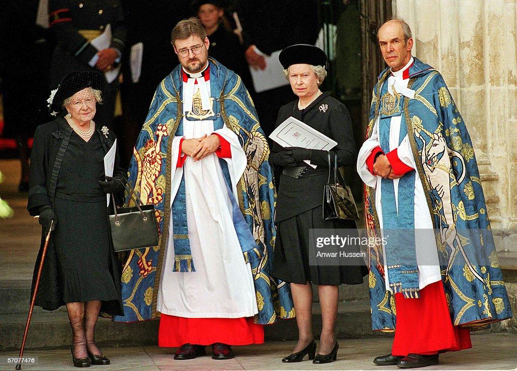 Funeral of Princess Diana Princess of Wales : News Photo