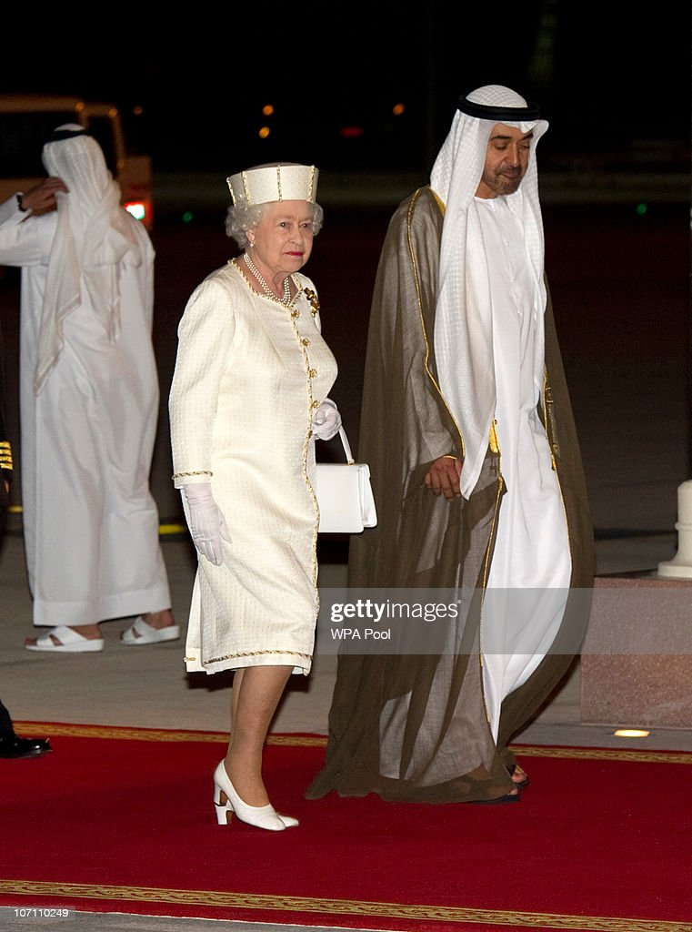 Queen Elizabeth II And Prince Philip Visit Abu Dhabi - Day 1 : News Photo