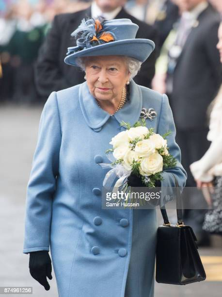Queen Elizabeth II arrives at Hull Railway Station on November 16 2017 in Kingston upon Hull England