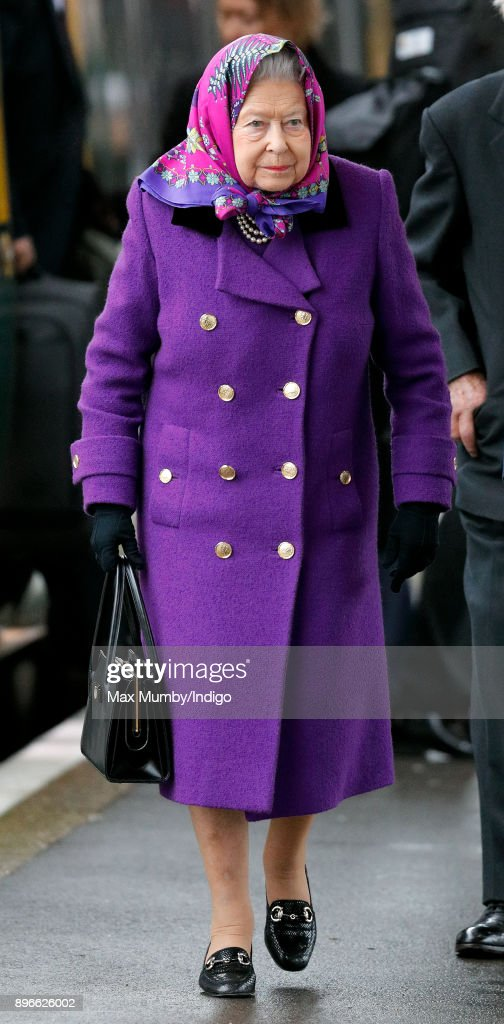 Queen Elizabeth II arrives at King's Lynn station, after taking the train from London King's Cross, to begin her Christmas break at Sandringham House on December 21, 2017 in King's Lynn, England.