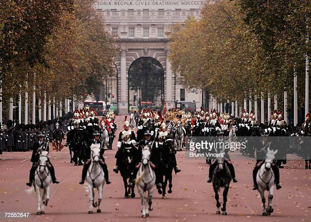 Queen Elizabeth II arrives back at Buckingham Palace after deliverying a speech at the state opening of Parliament on November 15, 2006 in London,...