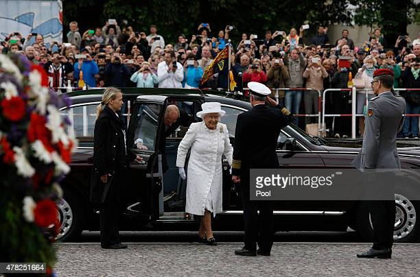 Queen Elizabeth II arrives for a wreath laying ceremony at the Neue Wache on the second day of a four day state visit to Germany on June 24 2015 in...