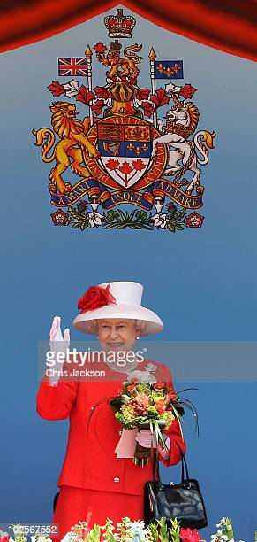 Queen Elizabeth II arrives for Canada Day celebrations on Parliament Hill on July 1, 2010 in Ottawa, Canada. The Queen and Duke of Edinburgh are on...