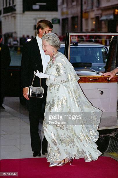 Queen Elizabeth II arrives for The Amir of Kuwait banquet at Claridge's Hotel in London