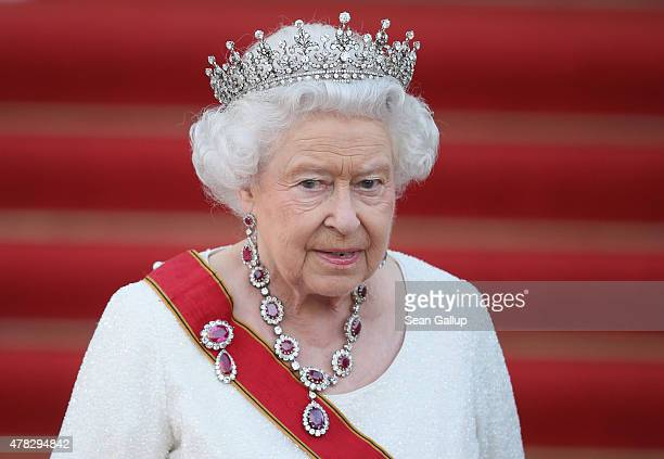Queen Elizabeth II arrives for the state banquet in her honour at Schloss Bellevue palace on the second of the royal couple's fourday visit to...