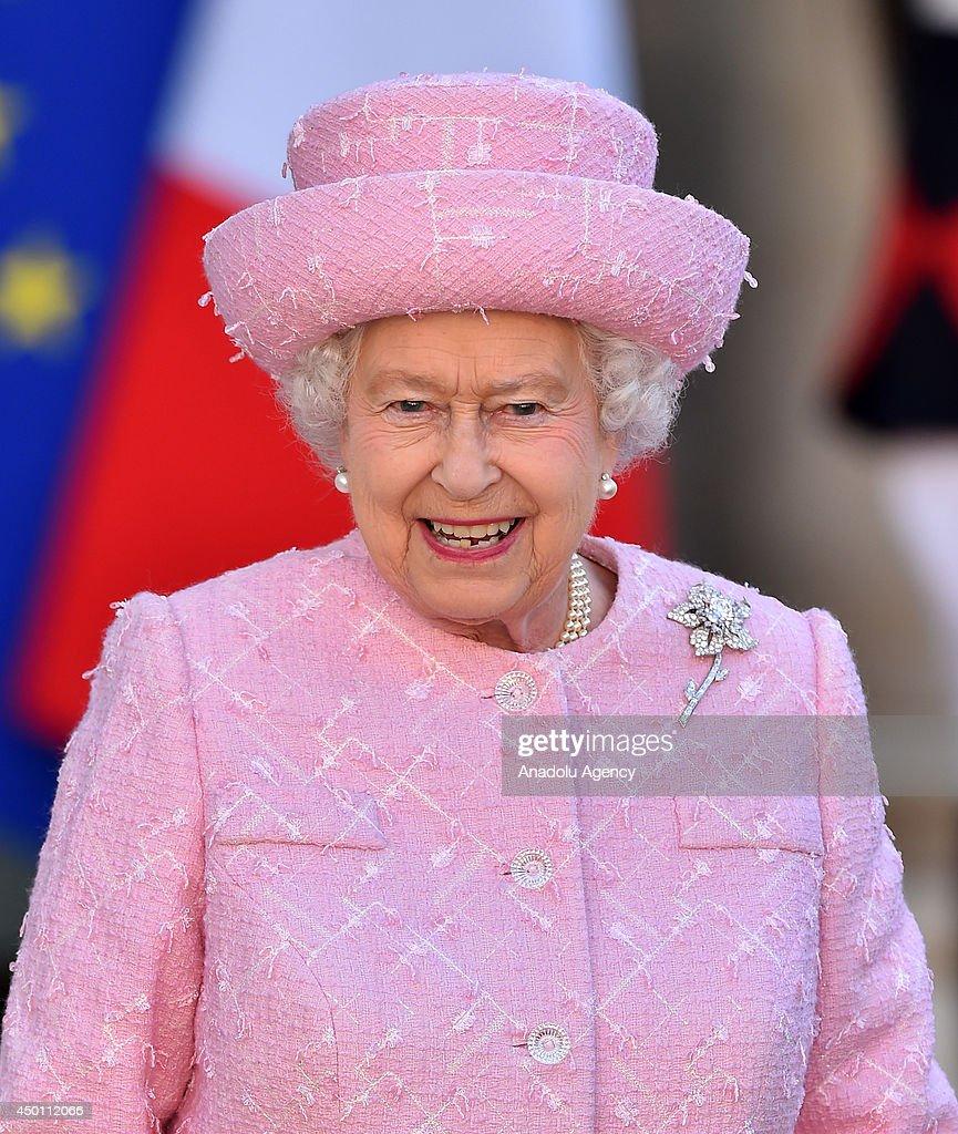 Queen Elizabeth II meets French President : News Photo
