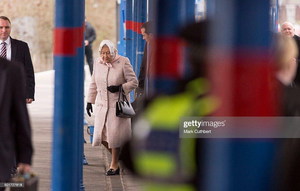 Queen Elizabeth II Arrives In Norfolk For Her Annual Christmas Break : News Photo