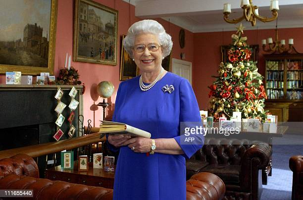 Queen Elizabeth II at Combermere Barracks in Windsor 08 December 2003, where she recorded her Christmas Day message to the Commonwealth. POOL ROTA PA