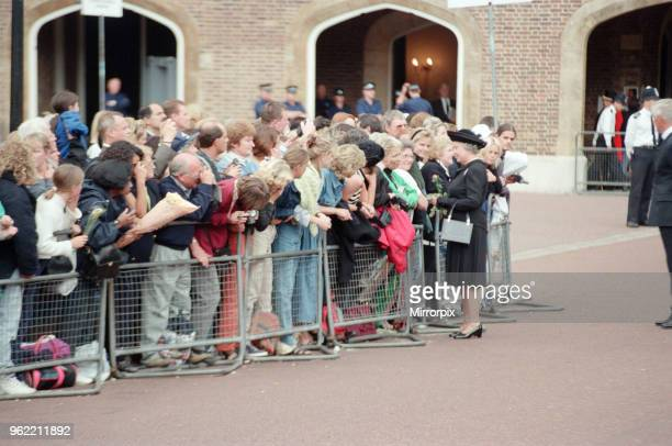 Queen Elizabeth II at St James's Palace to pay her respects to Princess Diana 's body in the Chapel Royal on the eve of the Princess of Wales'...