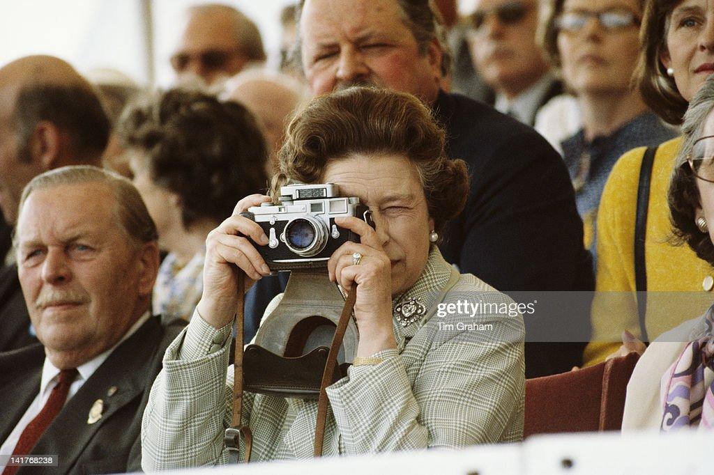 Queen Photographs Philip : News Photo