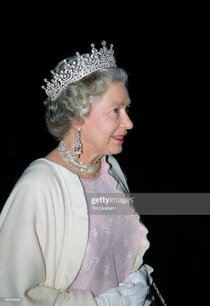 Queen Elizabeth II attends a banquet in Berlin, Germany : News Photo