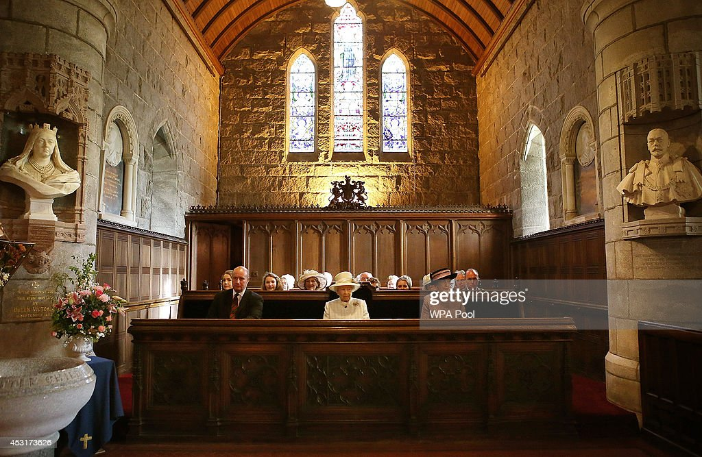The Queen Attends A Service Of Commemoration At Crathie Kirk : News Photo