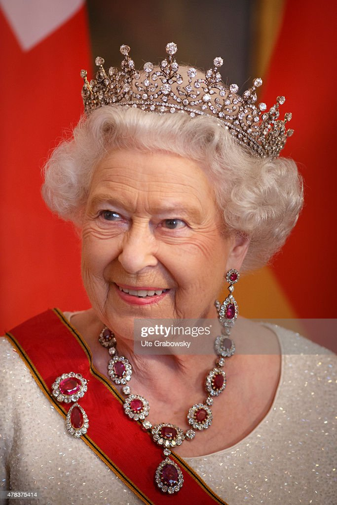Queen Elizabeth II Visits Germany : News Photo