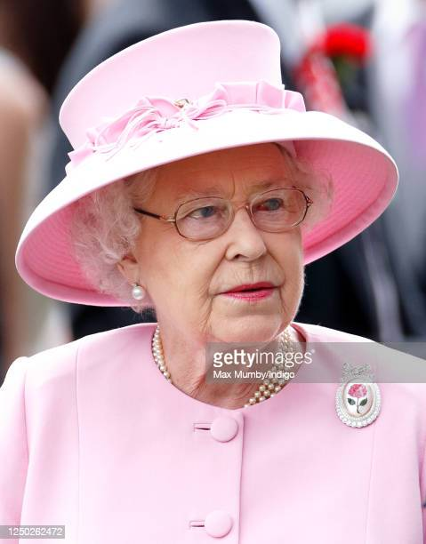 Queen Elizabeth II attends day 2 of Royal Ascot at Ascot Racecourse on June 20, 2012 in Ascot, England.