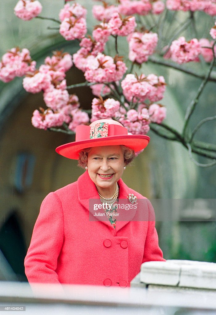 Queen Elizabeth II, attends Easter Sunday Church Service, at St Georges Chapel, Windsor Castle : News Photo