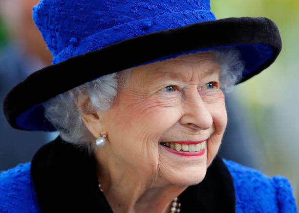 UNS: The Royal Week - October 18