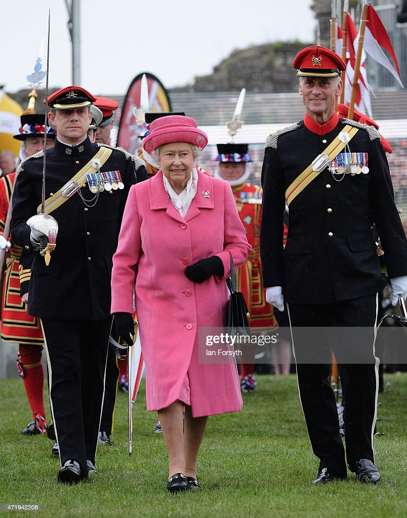 The Queen & Duke Of York Attend The Amalgamation Parade Of The Queen's Royal Lancers  And 9th/12th Royal Lancers : News Photo