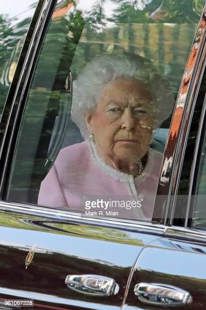 Queen Elizabeth II attends the Chelsea Flower show on May 21 2018 in London England