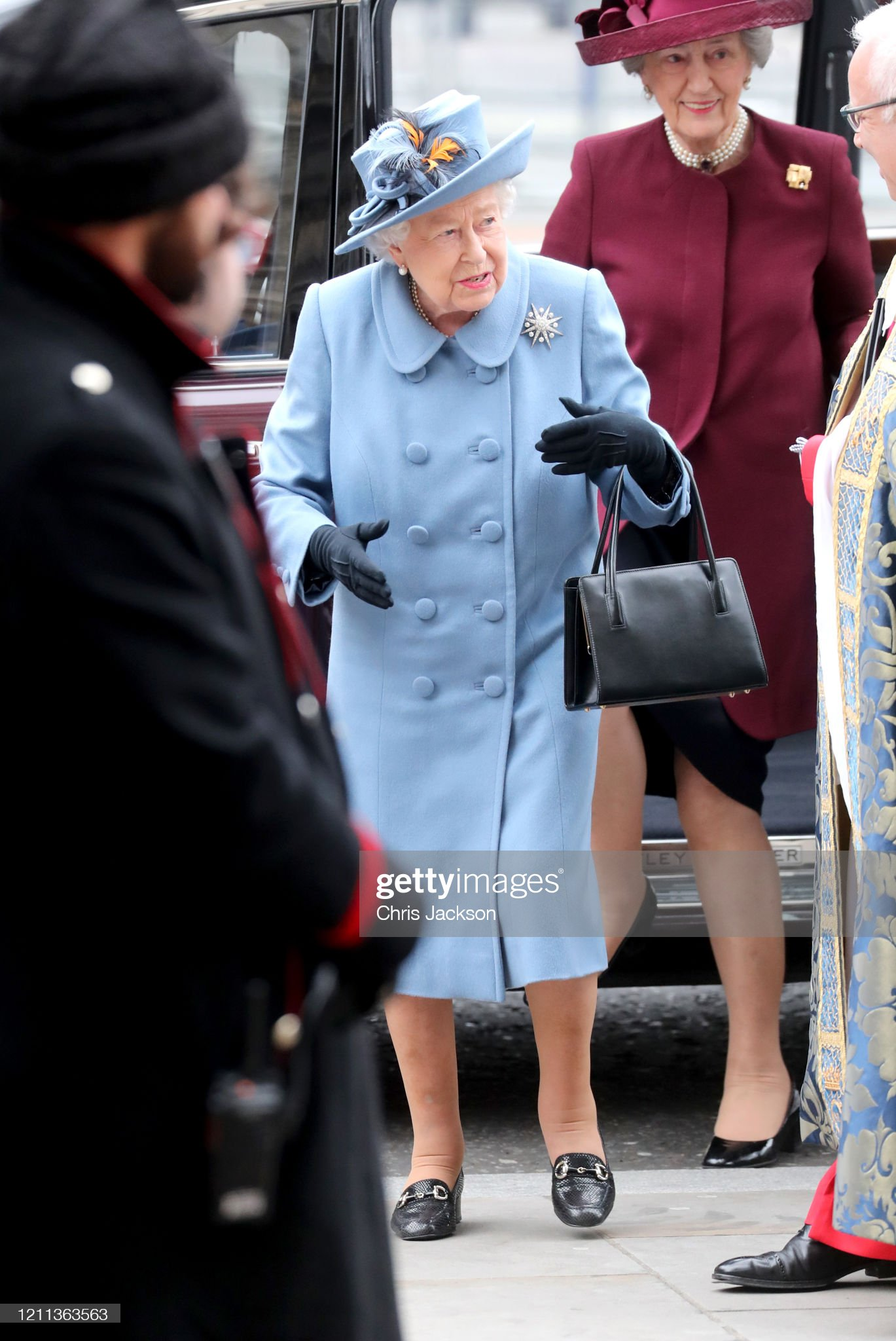 https://media.gettyimages.com/photos/queen-elizabeth-ii-attends-the-commonwealth-day-service-2020-at-on-picture-id1211363563?s=2048x2048