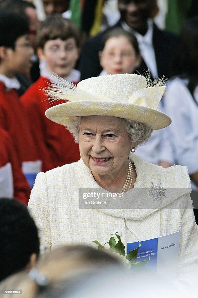 Queen Elizabeth II at Comonwealth Service : News Photo
