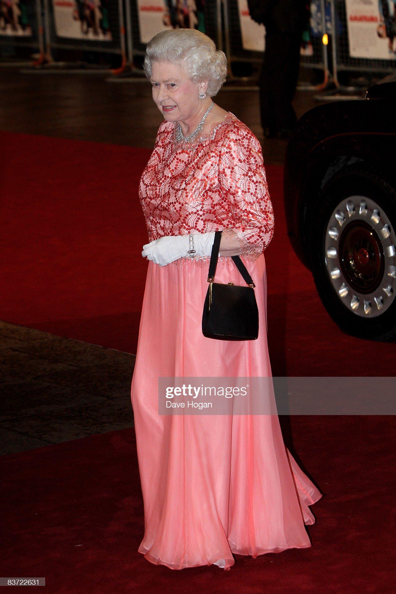 'A Bunch of Amateurs' Royal Premiere : News Photo