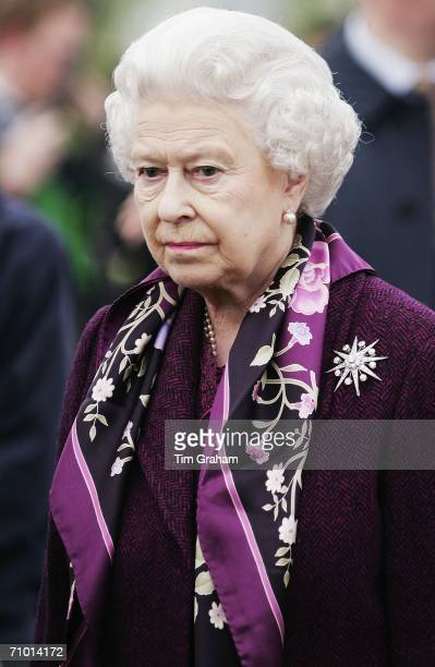 Queen Elizabeth II attends the press and VIP day of Chelsea Flower Show on May 22, 2006 in London, England.