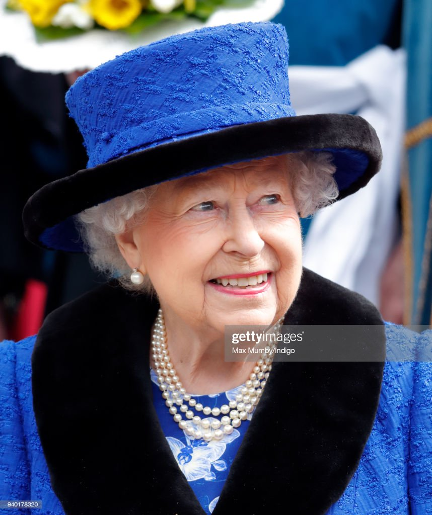 Royal Maundy Service At St George's Chapel Windsor : Fotografía de noticias