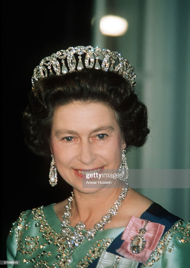 USA: Queen Elizabeth II atttends a state banquet in the United States : News Photo