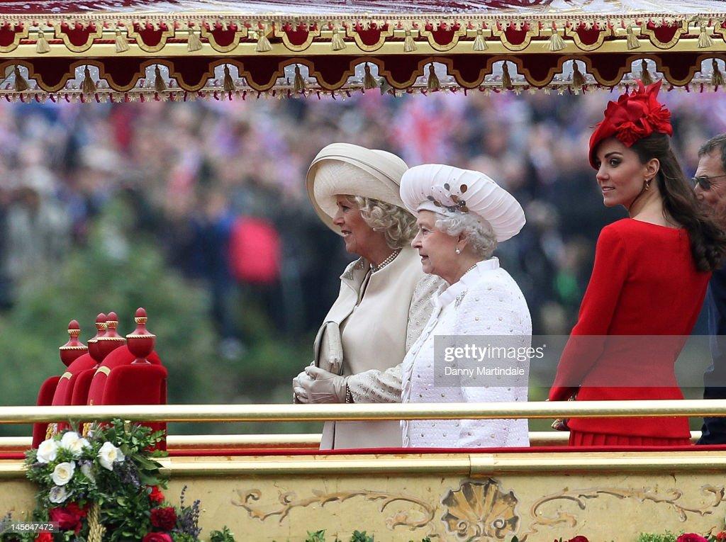 Diamond Jubilee - Thames River Pageant : News Photo