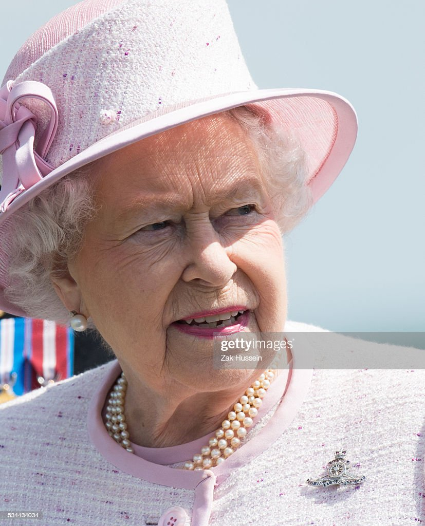 The Queen Celebrates 300 Years Of The Royal Artillery : News Photo