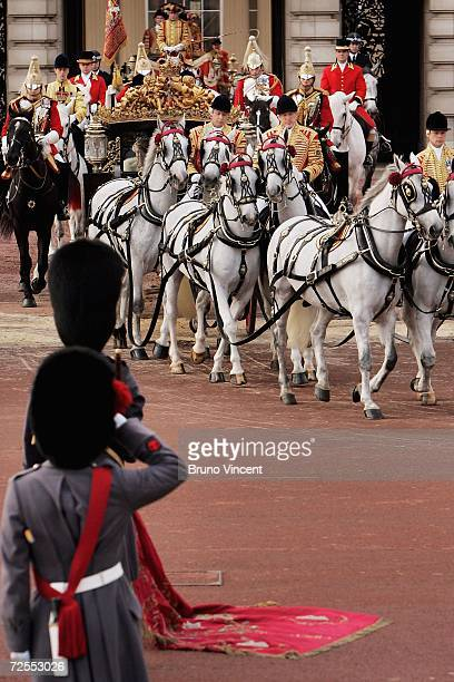Queen Elizabeth II departs Buckingham Palace to deliver a speech at the state opening of Parliament on November 15, 2006 in London, England. The...