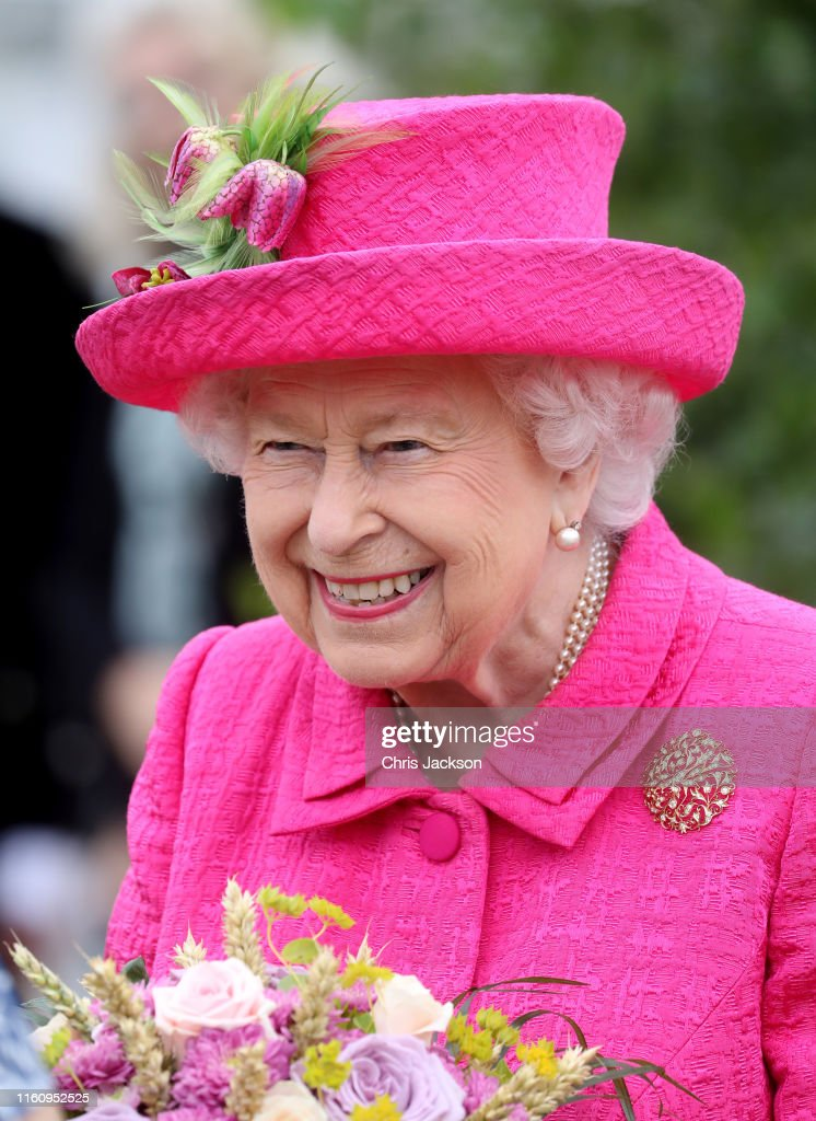 The Queen Visits Cambridge : News Photo
