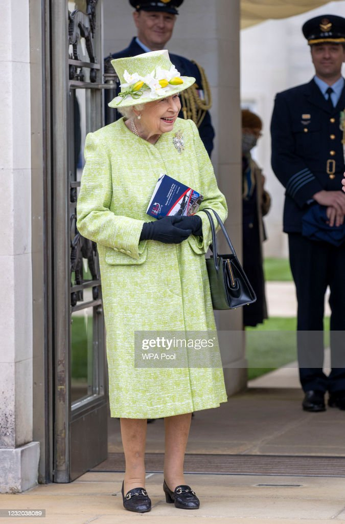 Queen Elizabeth II Visits The Royal Australian Air Force Memorial : News Photo