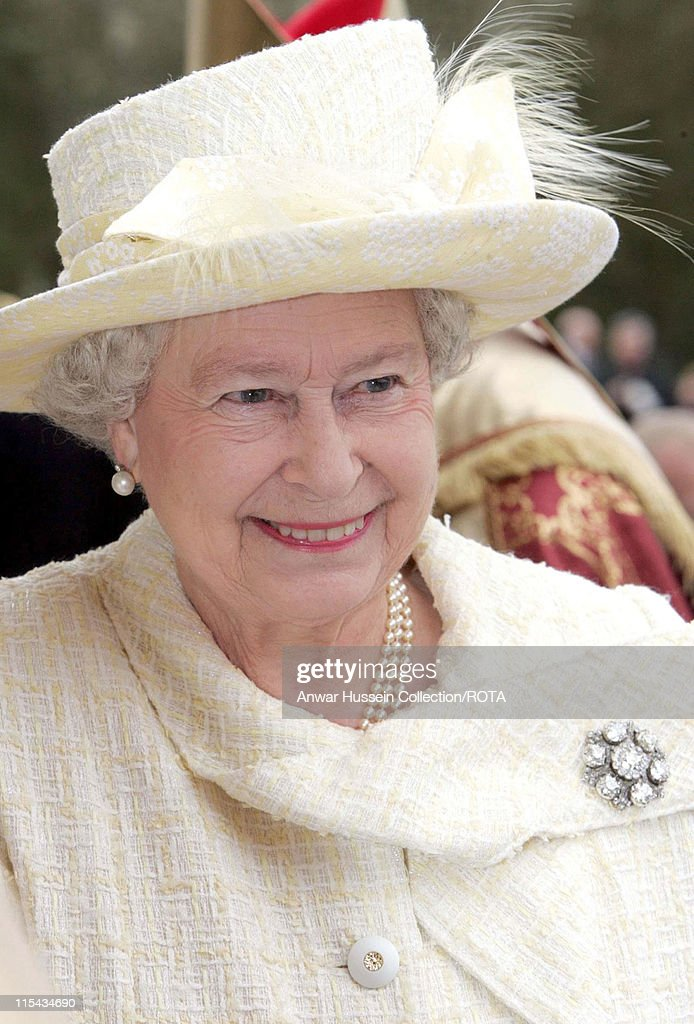Queen Elizabeth II and the Duke of Edinburgh Attend the Royal Maundy Service - April 13, 2006 : News Photo