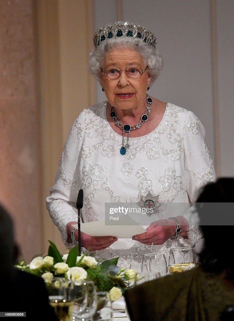 The Queen And Senior Royals Attend The Commonwealth Heads Of Government Meeting - Day Two : News Photo