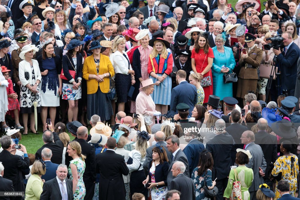 Birdseye View Of The Queen's Garden Party From The Roof Of Buckingham Palace : News Photo